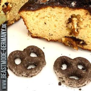 beastmode-cheaatday-hersheys-cookies-creme-dipped-pretzel