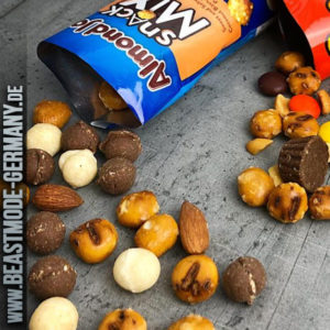 beastmode-hersheys-almond-joy-snack-mix-detail