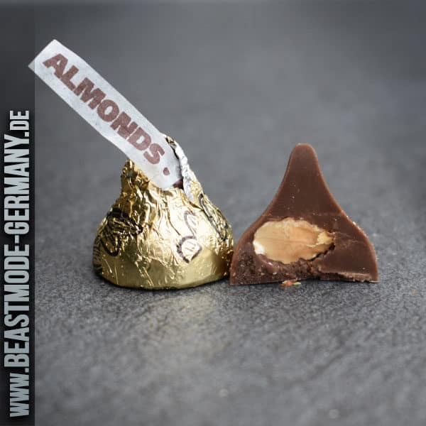 beastmode-hersheys-milk-chocolate-almond-detail