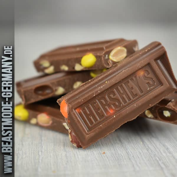 beastmode-hershey-reeses-pieces-bar-detail